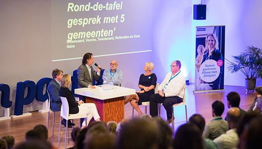 Rond de tafel gesprek met 5 gemeenten
